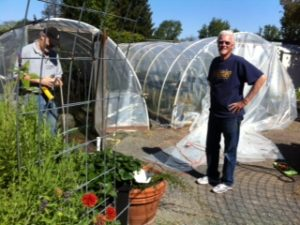 phil-n-ron-recovering-hoop-house